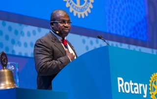 SIR EMEKA ANNOUNCES $1M GIFT FOR POLIO AT SYDNEY CONVENTION